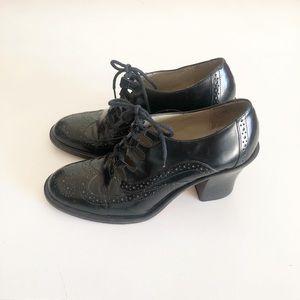 Vintage Kenneth Cole heeled wingtip/brogues